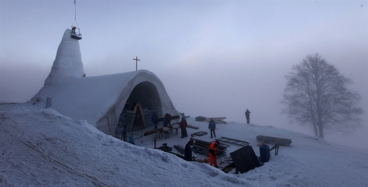 Snow Church 1.jpg